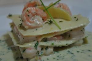 Lasagna de camarão com molho béchamel